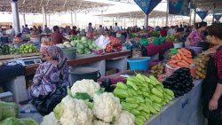 Groeten op markt Oezbekistan