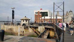Sluis bij het Albert Dock