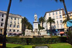 monument-831361_1280
