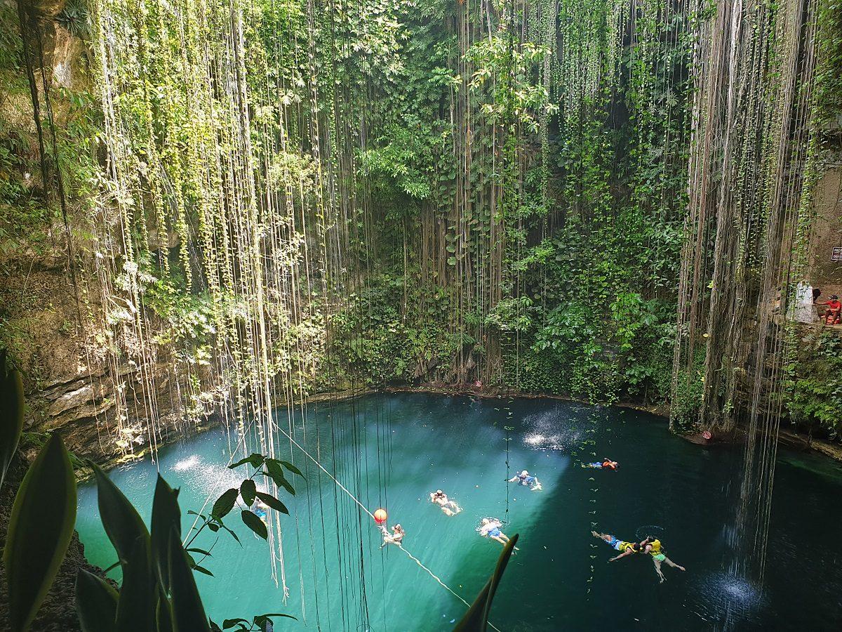 Cenote Ik Kil Yucatan
