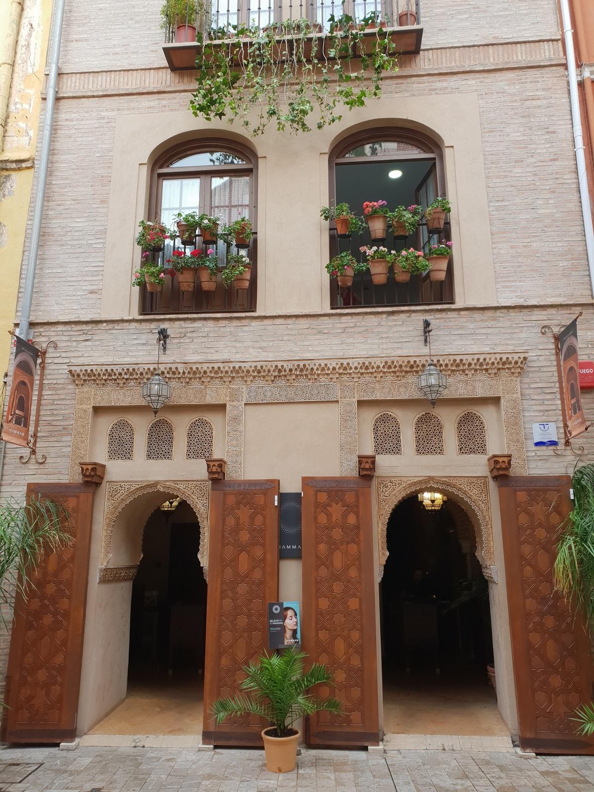 Ingang_hammam_Malaga_stedentrip