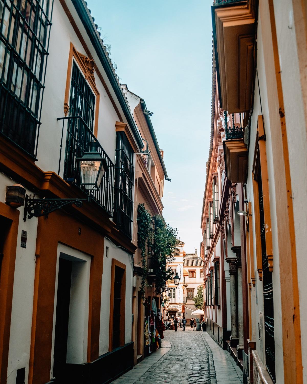Straatje_Santa_Cruz_Sevilla_stedentrip