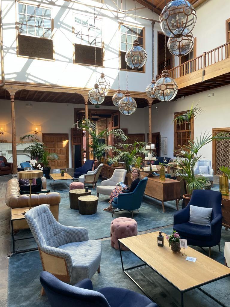 Tenerife_Gran_hotel_Laguna_lobby