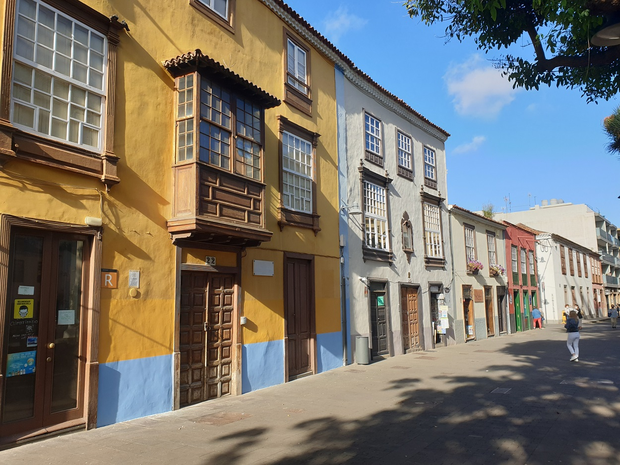 Tenerife_La_Laguna_gekleurde huizen